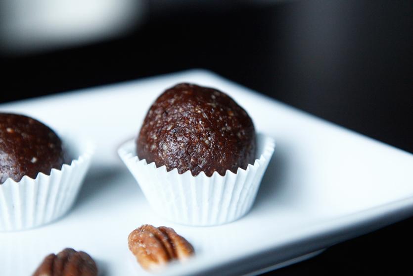 Holiday Truffles, recipe by Amazing Paleo!
