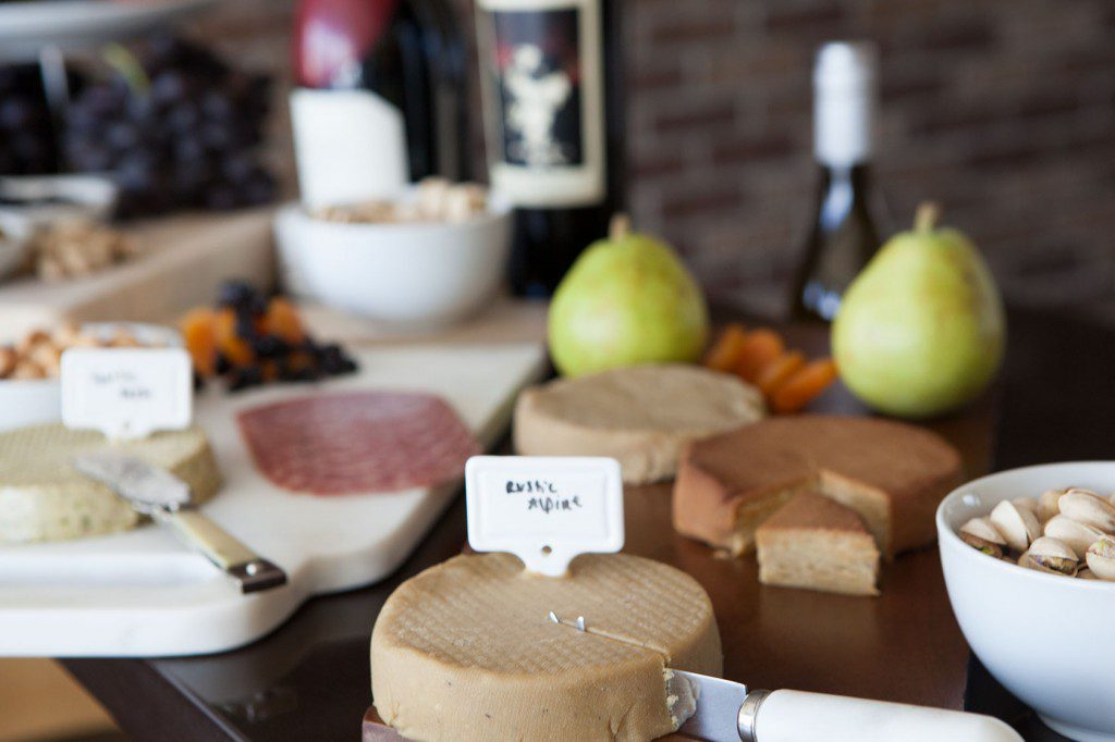 How-To: Make The Perfect PALEO Cheeseboard