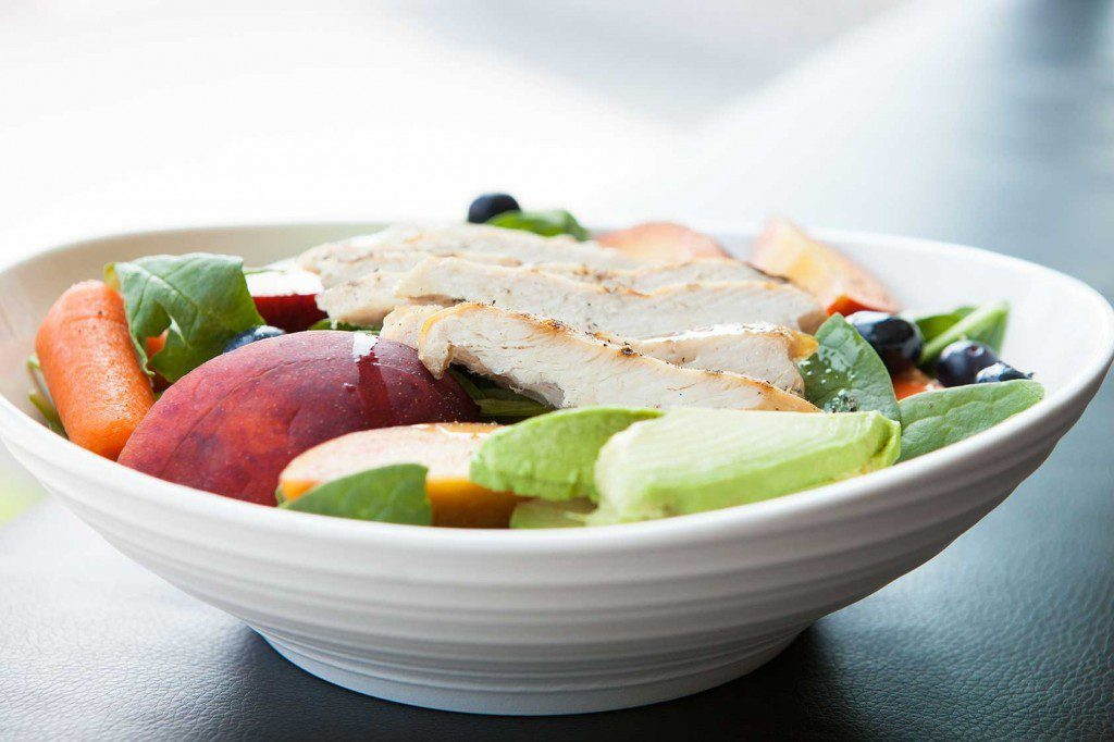 Amazing Paleo's Spinach, Peaches and Chicken Summer Salad!