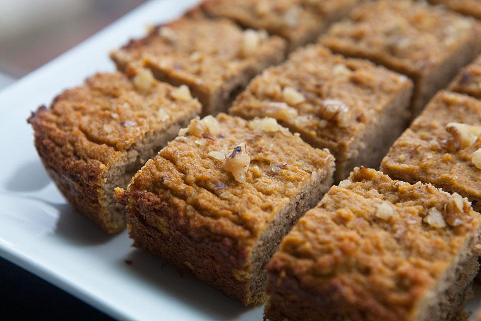 29 Paleo Treat Recipes- Pumpkin Walnut Protein Bars