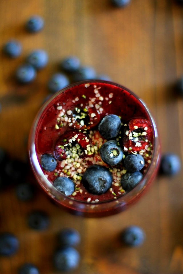 Cherry Berry Cashew Ginger Smoothie