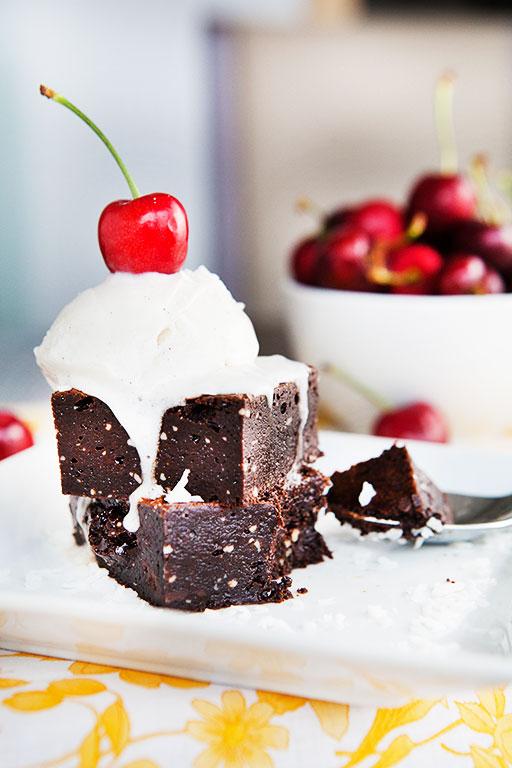 Fudgiest Paleo Brownies