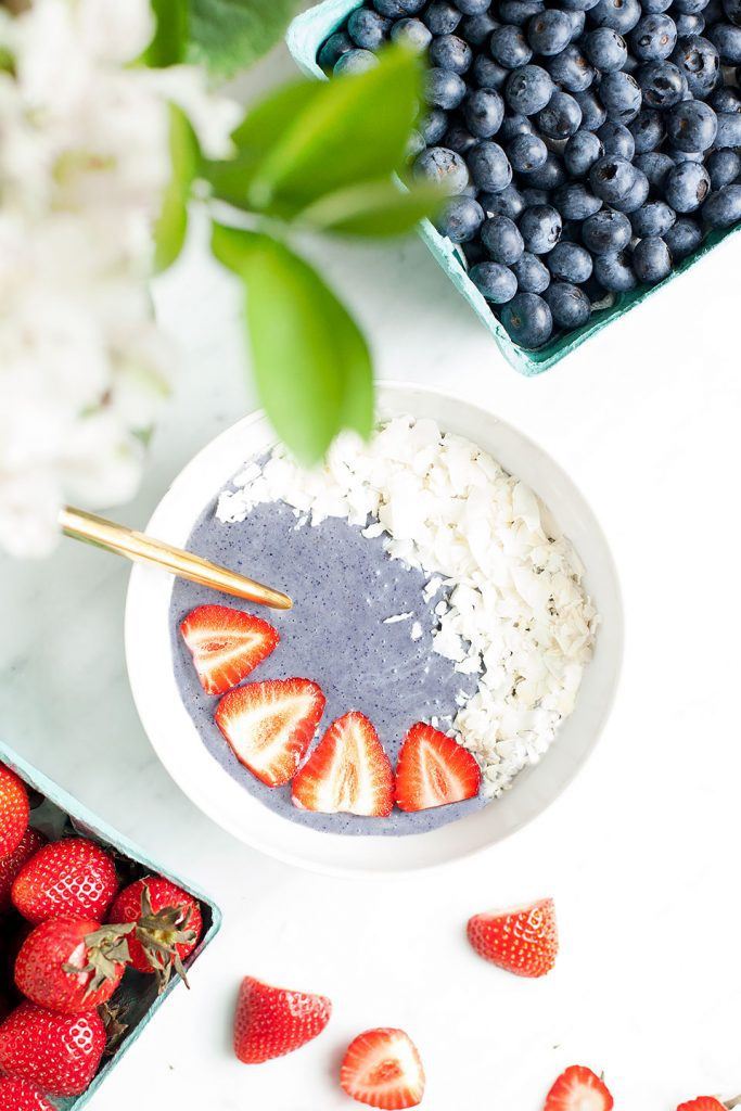 4TH OF JULY BLUEBERRY SMOOTHIE BOWLS
