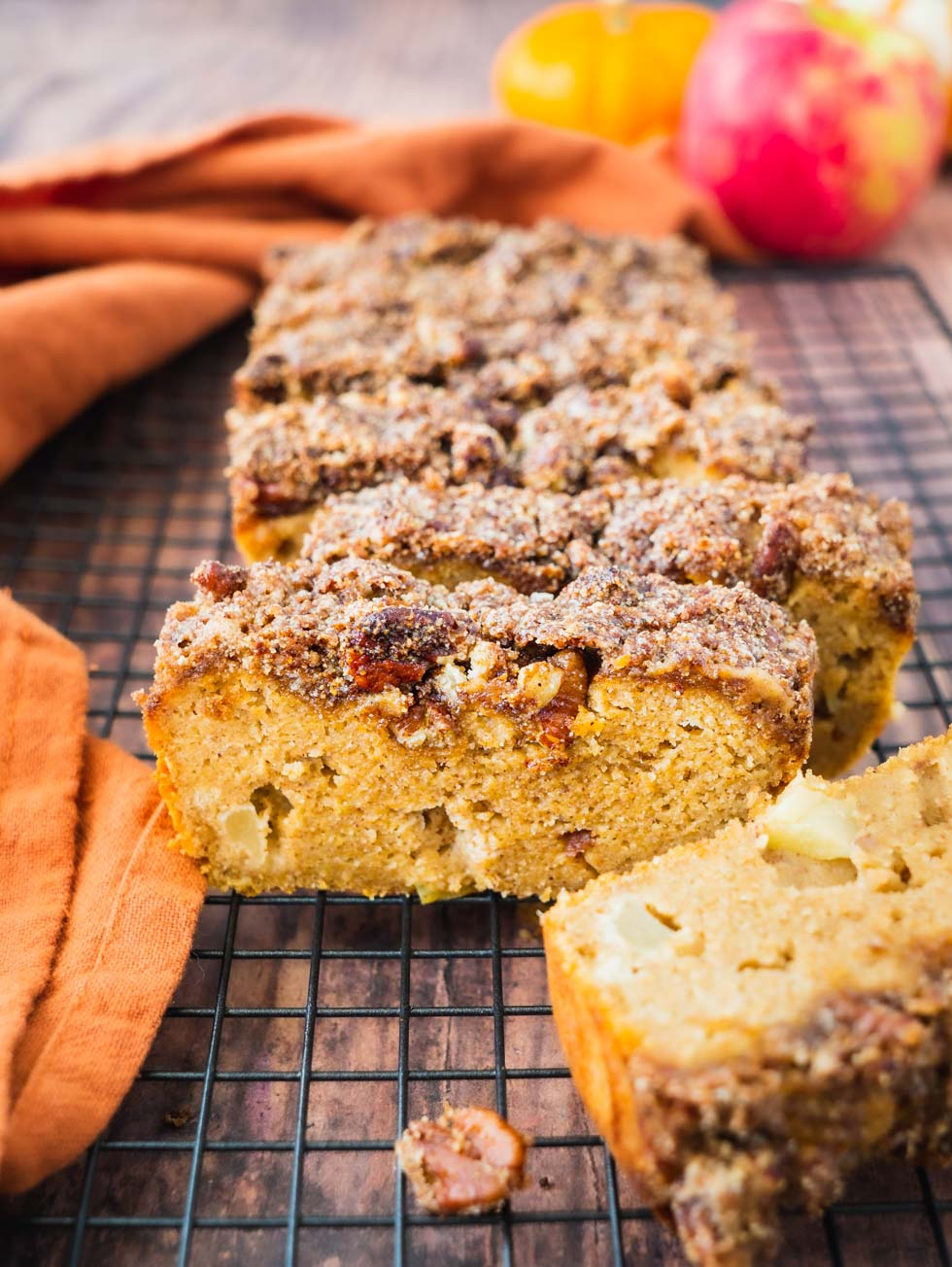 Apple Bread With Crumble Topping