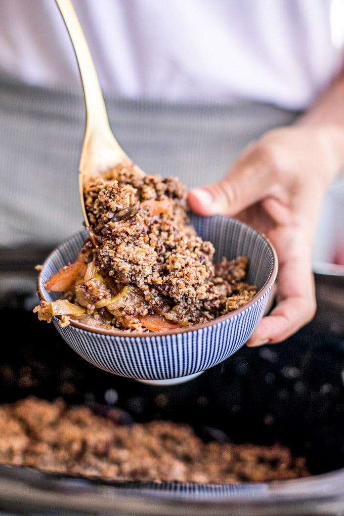 Easy Slow Cooker Apple Crisp Recipe