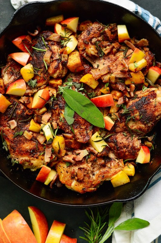 One-Pan Apple & Cinnamon Chicken With Bacon