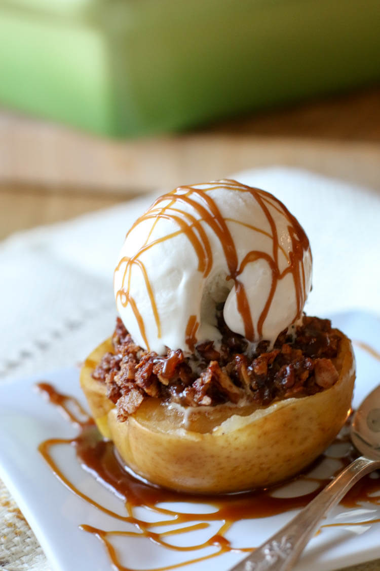 Paleo Baked Apples With Pecan Crumble
