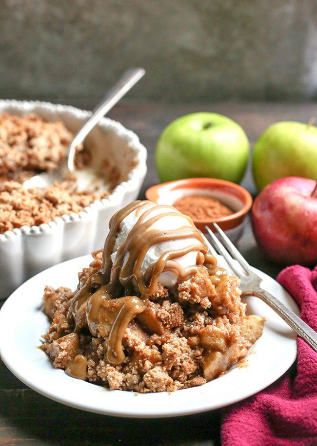 Paleo Vegan Caramel Apple Crisp